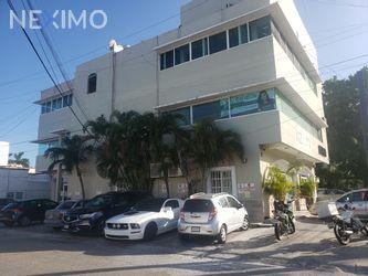 NEX-42686 - Oficina en Renta, con 4 recamaras, con 2 baños, con 2 medio baños, con 80 m2 de construcción en Cancún Centro, CP 77500, Quintana Roo.