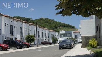 NEX-49853 - Casa en Venta, con 3 recamaras, con 2 baños, con 1 medio baño, con 104 m2 de construcción en El Condado, CP 76922, Querétaro.