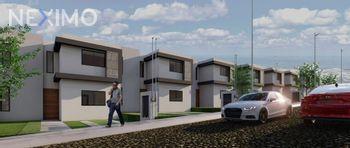 NEX-52824 - Casa en Venta, con 3 recamaras, con 2 baños, con 1 medio baño, con 105 m2 de construcción en Los Candiles, CP 76903, Querétaro.