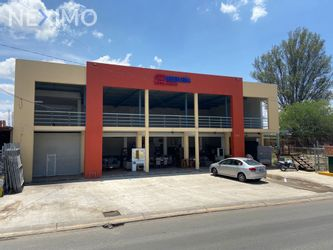 NEX-48532 - Local en Renta, con 1 recamara, con 2 baños, con 256 m2 de construcción en Santa Paula, CP 45420, Jalisco.