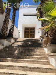 NEX-43520 - Casa en Venta, con 4 recamaras, con 7 baños, con 1 medio baño, con 1045 m2 de construcción en Cumbres del Campestre, CP 37128, Guanajuato.