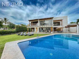 NEX-50006 - Casa en Renta, con 7 recamaras, con 6 baños, con 1 medio baño, con 471 m2 de construcción en Club de Golf Santa Fe, CP 62790, Morelos.