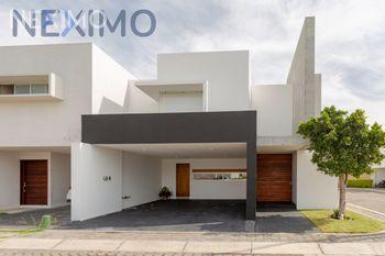 NEX-46127 - Casa en Venta, con 3 recamaras, con 3 baños, con 1 medio baño, con 276 m2 de construcción en Zerezotla, CP 72764, Puebla.