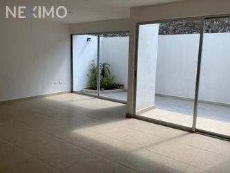 NEX-43684 - Casa en Venta, con 3 recamaras, con 3 baños, con 1 medio baño, con 180 m2 de construcción en Zona Cementos Atoyac, CP 72023, Puebla.