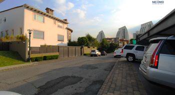 NEX-23773 - Casa en Venta en Interlomas, CP 52787, México, con 5 recamaras, con 4 baños, con 1 medio baño, con 705 m2 de construcción.