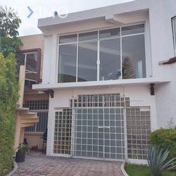 NEX-48220 - Edificio en Venta, con 6 baños, con 351 m2 de construcción en Lomas Estrella, CP 09890, Ciudad de México.