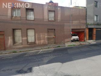 NEX-48808 - Casa en Venta, con 3 recamaras, con 2 baños, con 1 medio baño, con 244 m2 de construcción en Campestre, CP 01040, Ciudad de México.