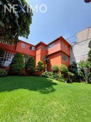 NEX-49979 - Casa en Venta, con 6 recamaras, con 3 baños, con 702 m2 de construcción en Jardines del Pedregal, CP 01900, Ciudad de México.