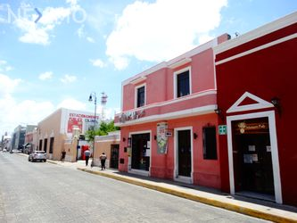 NEX-44288 - Casa en Venta, con 5 recamaras, con 3 baños, con 2 medio baños, con 279 m2 de construcción en Yucatán, CP 97050, Yucatán.