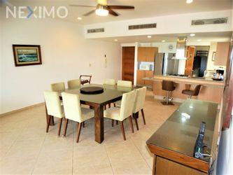 NEX-44663 - Departamento en Renta, con 2 recamaras, con 3 baños, con 1 medio baño, con 174 m2 de construcción en Zona Hotelera, CP 77500, Quintana Roo.