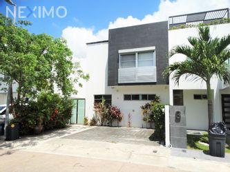 NEX-47186 - Casa en Renta, con 3 recamaras, con 2 baños, con 1 medio baño, con 175 m2 de construcción en Residencial Cumbres, CP 77560, Quintana Roo.