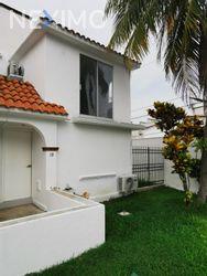 NEX-47771 - Casa en Venta, con 2 recamaras, con 2 baños, con 130 m2 de construcción en Supermanzana 19, CP 77505, Quintana Roo.