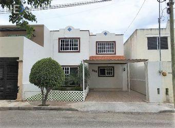 NEX-50879 - Casa en Venta, con 4 recamaras, con 2 baños, con 1 medio baño, con 157 m2 de construcción en Vista Alegre Norte, CP 97130, Yucatán.