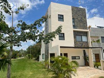 NEX-49573 - Casa en Venta, con 3 recamaras, con 3 baños, con 1 medio baño, con 200 m2 de construcción en Arbolada, CP 77533, Quintana Roo.