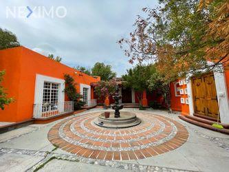 NEX-49317 - Casa en Venta, con 7 recamaras, con 7 baños, con 3 medio baños, con 600 m2 de construcción en Quintanares, CP 76724, Querétaro.