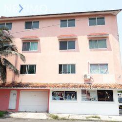 NEX-47680 - Edificio en Venta, con 18 recamaras, con 12 baños, con 3 medio baños, con 880 m2 de construcción en Flores Del Valle, CP 91948, Veracruz de Ignacio de la Llave.