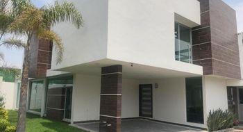 NEX-12766 - Casa en Venta en Llano Grande, CP 52148, México, con 4 recamaras, con 3.5 baños, con 1 medio baño, con 310 m2 de construcción.