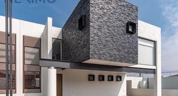 NEX-3180 - Casa en Venta en Coaxustenco, CP 52140, México, con 3 recamaras, con 3 baños, con 1 medio baño, con 294 m2 de construcción.