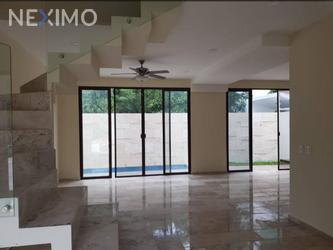 NEX-48700 - Casa en Venta, con 3 recamaras, con 2 baños, con 1 medio baño, con 233 m2 de construcción en Arbolada, CP 77533, Quintana Roo.