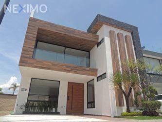 NEX-45870 - Casa en Venta, con 4 recamaras, con 6 baños, con 1 medio baño, con 363 m2 de construcción en Lomas de Angelópolis, CP 72830, Puebla.