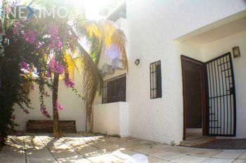 NEX-45597 - Casa en Venta, con 4 recamaras, con 3 baños, con 1 medio baño, con 162 m2 de construcción en Chamuyil, CP 77533, Quintana Roo.