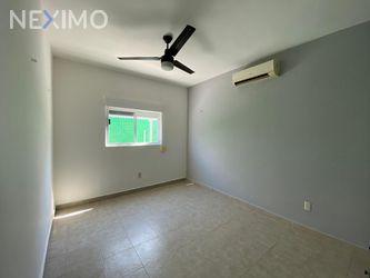 NEX-46029 - Casa en Venta, con 3 recamaras, con 2 baños, con 1 medio baño, con 150 m2 de construcción en Supermanzana 312, CP 77533, Quintana Roo.