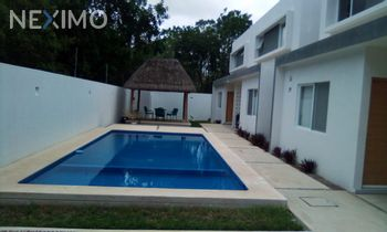 NEX-47028 - Casa en Renta, con 3 recamaras, con 2 baños, con 1 medio baño, con 160 m2 de construcción en Álamos I, CP 77533, Quintana Roo.
