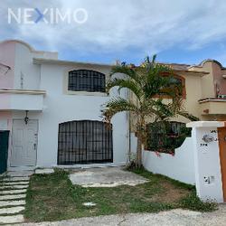 NEX-45573 - Casa en Venta, con 2 recamaras, con 2 baños, con 1 medio baño, con 81 m2 de construcción en Porto Alegre, CP 77533, Quintana Roo.