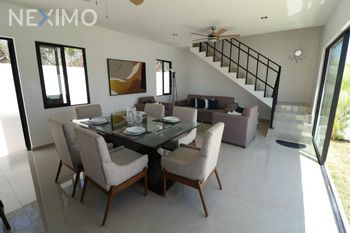 NEX-53593 - Casa en Venta, con 3 recamaras, con 3 baños, con 1 medio baño, con 189 m2 de construcción en Misnébalam, CP 97308, Yucatán.