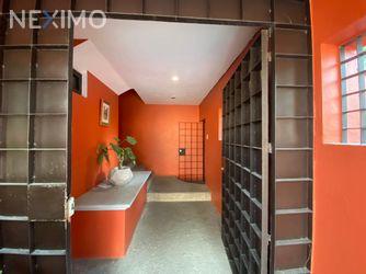 NEX-46511 - Casa en Venta, con 3 recamaras, con 3 baños, con 1 medio baño, con 282 m2 de construcción en Lomas de Tecamachalco, CP 53950, México.