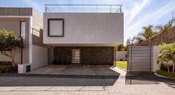 NEX-8095 - Casa en Venta en Los Volcanes, CP 62350, Morelos, con 3 recamaras, con 4 baños, con 220 m2 de construcción.