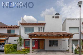 NEX-46614 - Casa en Venta, con 4 recamaras, con 4 baños, con 1 medio baño, con 368 m2 de construcción en El Pueblito, CP 76904, Querétaro.