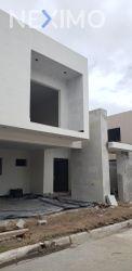 NEX-47578 - Casa en Venta, con 3 recamaras, con 3 baños, con 1 medio baño, con 287 m2 de construcción en Ampliación Unidad Nacional, CP 89510, Tamaulipas.