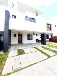 NEX-50245 - Casa en Venta, con 3 recamaras, con 2 baños, con 1 medio baño, con 158 m2 de construcción en Zibatá, CP 76269, Querétaro.