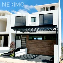 NEX-54286 - Casa en Venta, con 3 recamaras, con 3 baños, con 2 medio baños, con 265 m2 de construcción en Zibatá, CP 76269, Querétaro.