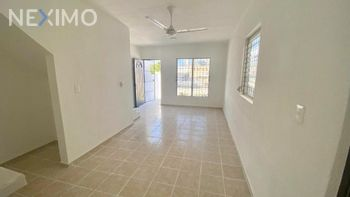 NEX-47588 - Casa en Venta, con 3 recamaras, con 2 baños, con 70 m2 de construcción en Bosque Real, CP 77714, Quintana Roo.