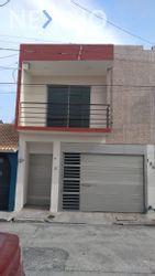NEX-48086 - Casa en Venta, con 3 recamaras, con 2 baños, con 1 medio baño, con 155 m2 de construcción en Manuel Nieto, CP 94296, Veracruz de Ignacio de la Llave.