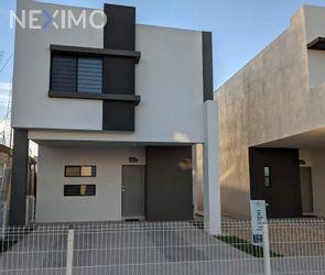 NEX-49836 - Casa en Venta, con 3 recamaras, con 2 baños, con 1 medio baño, con 165 m2 de construcción en Banús 360, CP 32544, Chihuahua.