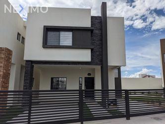 NEX-52752 - Casa en Venta, con 3 recamaras, con 2 baños, con 1 medio baño, con 210 m2 de construcción en Portento, CP 32543, Chihuahua.