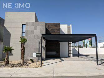 NEX-54971 - Casa en Venta, con 3 recamaras, con 3 baños, con 1 medio baño, con 204 m2 de construcción en Las Palmas, CP 32330, Chihuahua.
