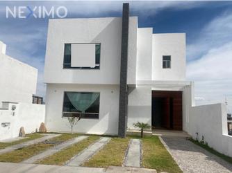 NEX-47846 - Casa en Venta, con 4 recamaras, con 4 baños, con 1 medio baño, con 324 m2 de construcción en Juriquilla, CP 76226, Querétaro.
