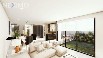 NEX-49370 - Casa en Venta, con 3 recamaras, con 3 baños, con 1 medio baño, con 270 m2 de construcción en Lombardía, CP 36670, Guanajuato.