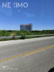 NEX-49402 - Terreno en Venta, con 250 m2 de construcción en Chicxulub, CP 97340, Yucatán.