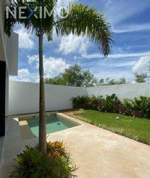 NEX-52678 - Casa en Venta, con 3 recamaras, con 4 baños, con 1 medio baño, con 256 m2 de construcción en Jardines de Conkal, CP 97345, Yucatán.