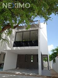 NEX-53390 - Casa en Venta, con 3 recamaras, con 3 baños, con 1 medio baño, con 168 m2 de construcción en Chuburna de Hidalgo, CP 97208, Yucatán.