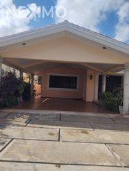 NEX-56097 - Casa en Venta, con 2 recamaras, con 2 baños, con 346 m2 de construcción en México, CP 97125, Yucatán.