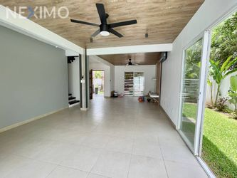 NEX-49656 - Casa en Renta, con 3 recamaras, con 4 baños, con 1 medio baño, con 270 m2 de construcción en Álamos I, CP 77533, Quintana Roo.