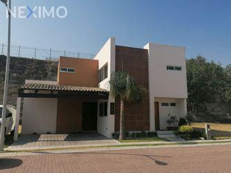 NEX-50662 - Casa en Venta, con 3 recamaras, con 2 baños, con 1 medio baño, con 193 m2 de construcción en Pino Suárez, CP 72020, Puebla.