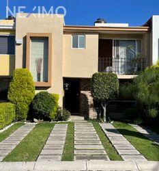 NEX-54379 - Casa en Venta, con 3 recamaras, con 2 baños, con 1 medio baño, con 154 m2 de construcción en Cuautlancingo, CP 72703, Puebla.