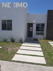 NEX-53203 - Casa en Renta, con 2 recamaras, con 1 baño, con 55 m2 de construcción en Privadas Santa Matílde, CP 43845, Hidalgo.
